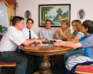 mormon-missionaries-teaching