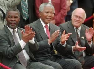 マンデラ大統領、人種差別の排除に努力をし、ノーベル平和賞を受賞する